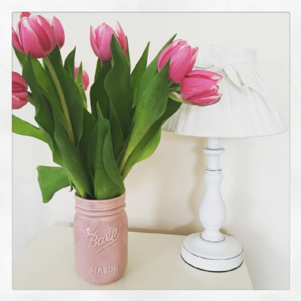 40% OFF Shabby Chic Gloss Ceramic Mason Jar Vase In Pink & White